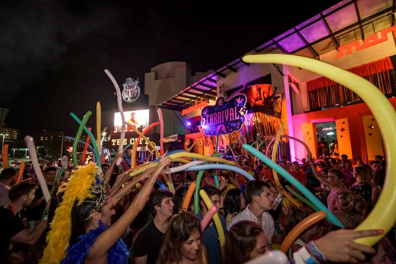 punta cancun, discotheques cancun, bars in cancun