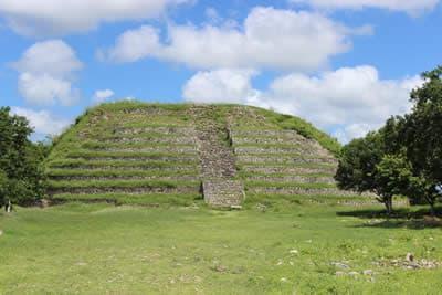 Piramides Mayas en Izamal