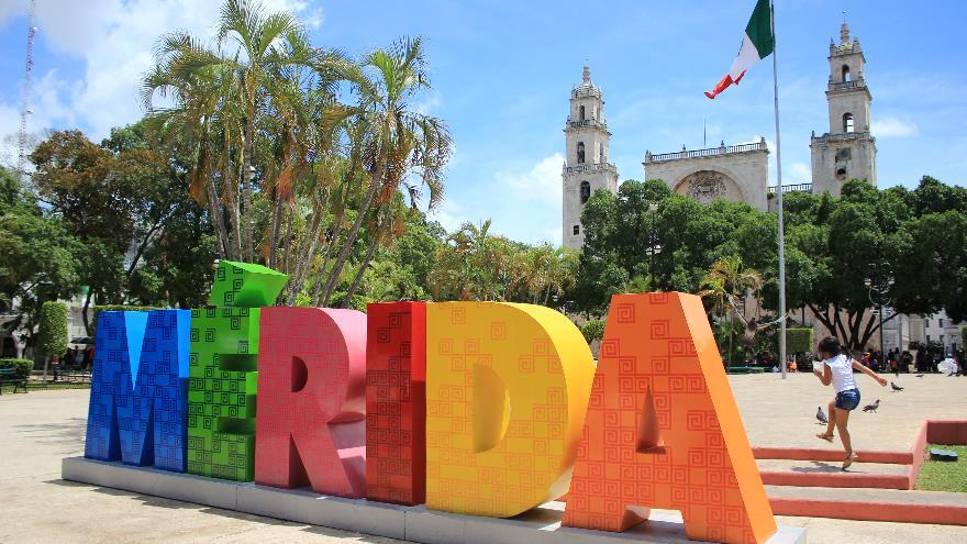 Centro historico de m rida plaza grande palacio de for Muebles de oficina merida yucatan